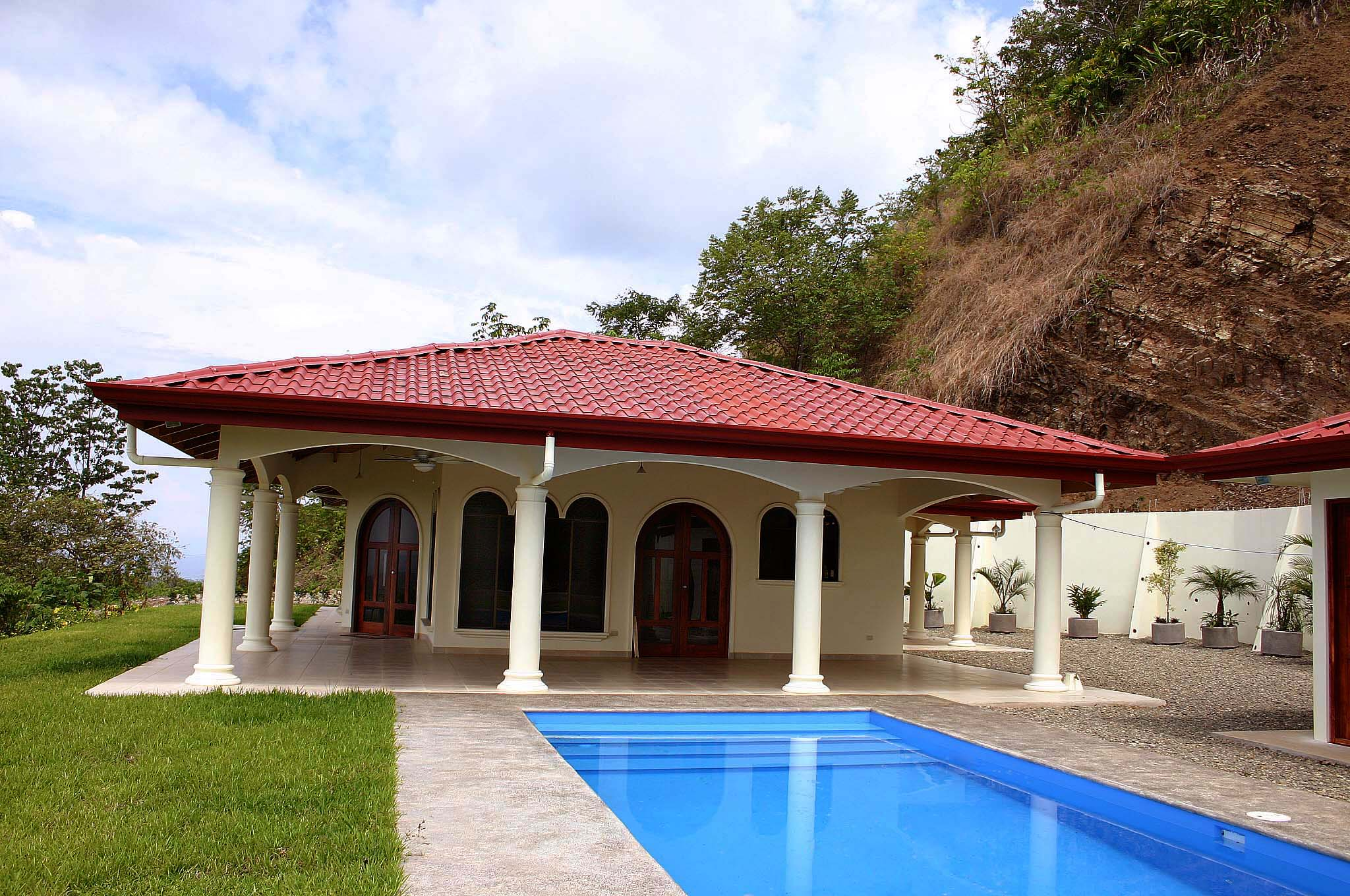 Costa rica pictures of homes interiors property in costa for Vacation homes for rent in costa rica
