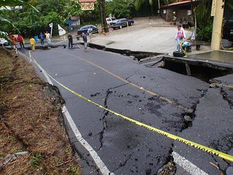 bad roads in Costa Rica