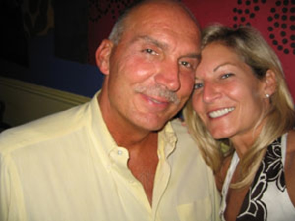 Dave and Erika are Americans that plan to retire in Costa Rica