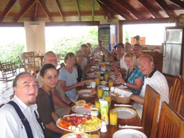 a large group during the International Living conference in Costa Rica