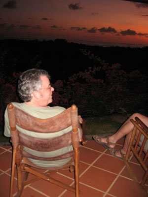 Why do so many Americans retire in Costa Rica?