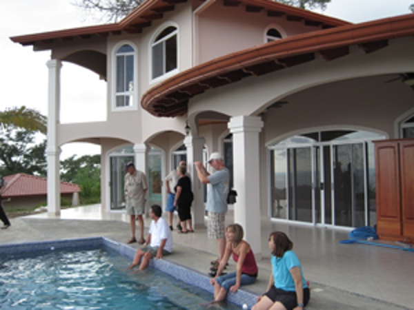 Look a this lifestyle, no wonder so many north Americans are living in Costa Rica