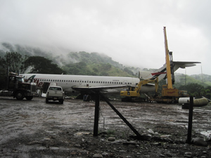 Airplane restaraunt in Dominical